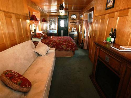 Необычные коттеджи- Дом из вагона