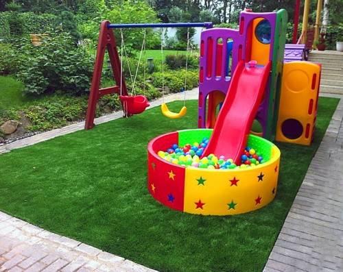 Покрытие детской площадки - трава