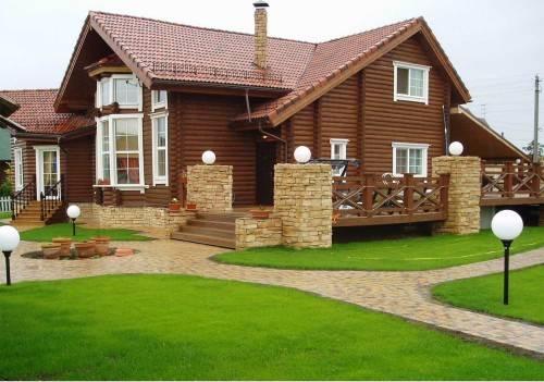 Красивый дом из дерева