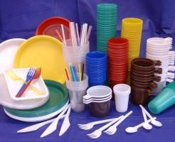 Из чего делают одноразовую посуду