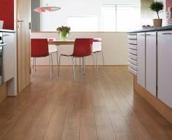 Что лучше на кухне — плитка или ламинат