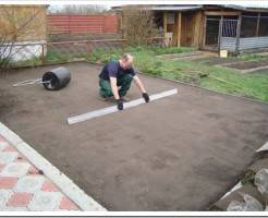 Как подготовить почву под газон?