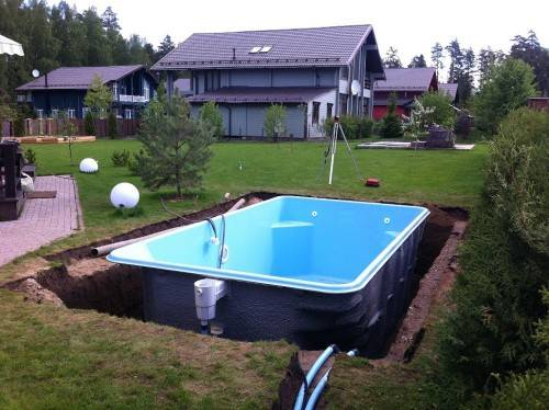 монтаж композитного бассейна