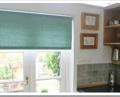 Как установить рулонные шторы на пластиковые окна?