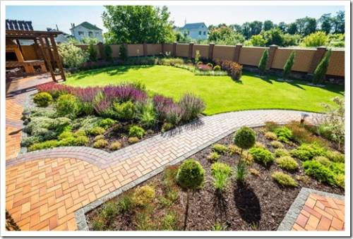 Кусты, клумбы и сад