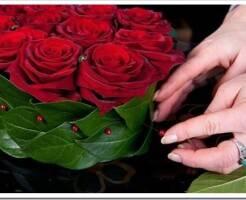 Как сделать красивый букет из роз