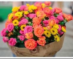 Как сделать букет из кустовых роз
