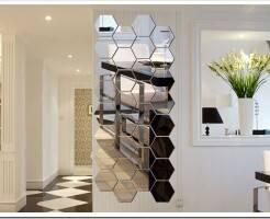 Виды зеркальных панно на стену и особенности монтажа