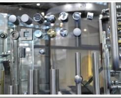 Виды фурнитуры для стекла и зеркал